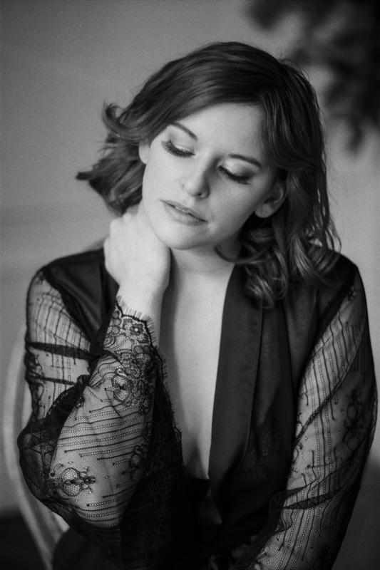 soft_boudoir_session_paris-boudoir-photographer-gabriella-vanstern-17